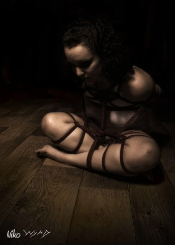 Molly Dolly in Ebi Shibari Bondage