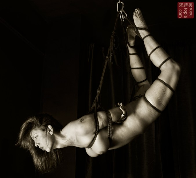 Lisa Smiths. Shibari bondage session. Suspension bondage.