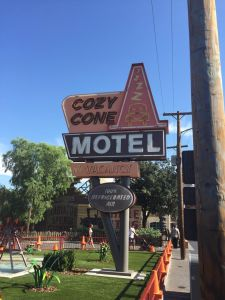 Cozy Cone Motel (picture via Howie)