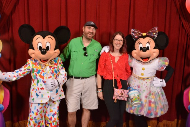 Not sure what's cooler: Minnie's outfit, or Elyssa's popcorn bucket...