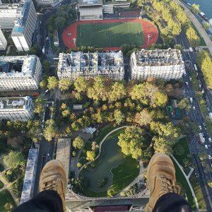 Suspendu sur la Tour Eiffel