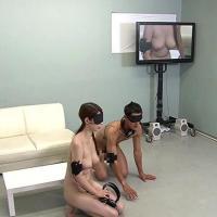 【企画/素人】見ず知らずの男女を素っ裸で目隠しと耳栓で密室に閉じ込めたら一体どうなるのか? <素人全裸羞恥実験室>