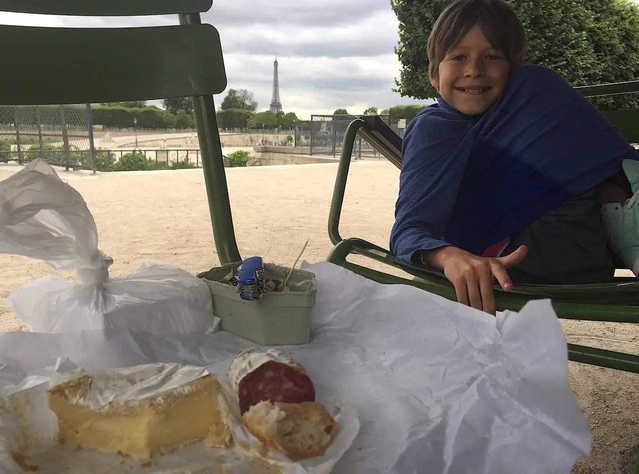 rory-moulton-picnic-tuileries-paris