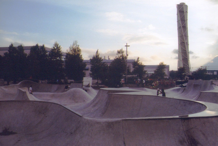 Malmö skatepark turning torso scandinavie
