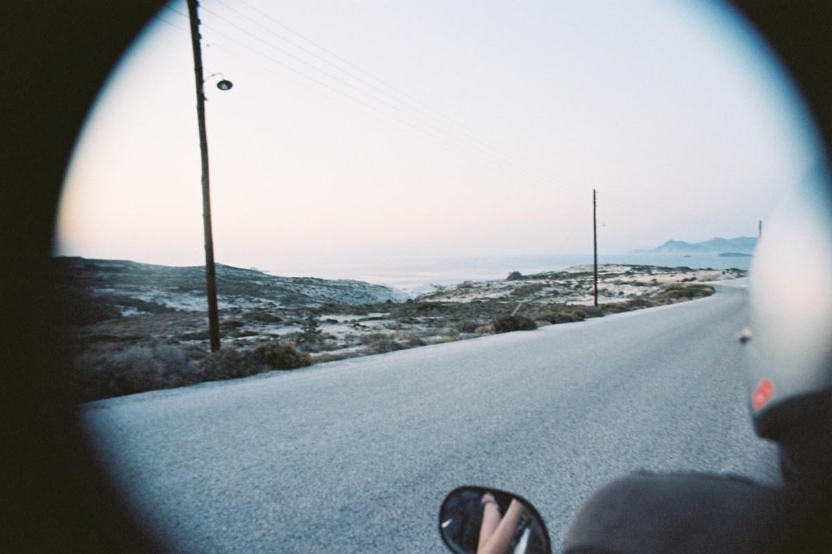 Milos, l'île volcan aux milles couleurs : un voyage dans les Cyclades