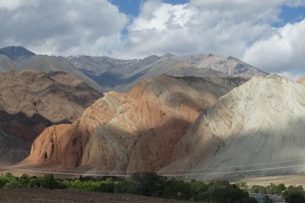 Kyzyl Oi la rouge et aventures dans la vallée de Suusamyr