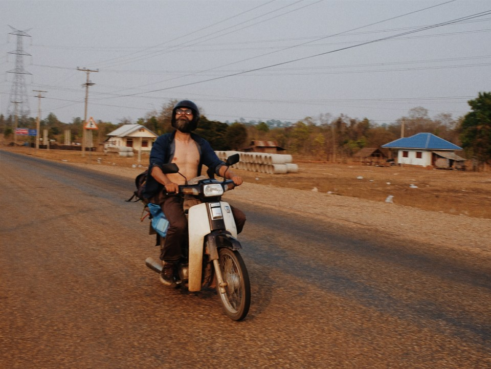 roadtrip scooter moto laos