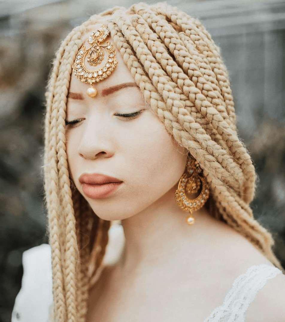 Luisa_Afro Albino