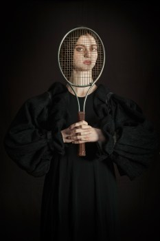 romina-ressina-woman-playing-tennis
