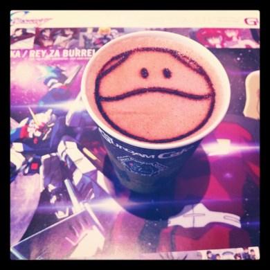 東京に始めのドリンクですo(≧▽≦)o 1st drink at Tôkyô! #ハロ #ガンダム #haro #gundam #gundamcafe
