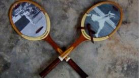 Raquetas de tenis reutilizadas como marcos de fotos. Rosa Montesa