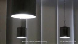 Lámpara realizada reciclando botes de metal. Rosa Montesa