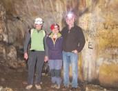 Con Eudald Carbonell, en la Galería de las Estatuas de Atapuerca