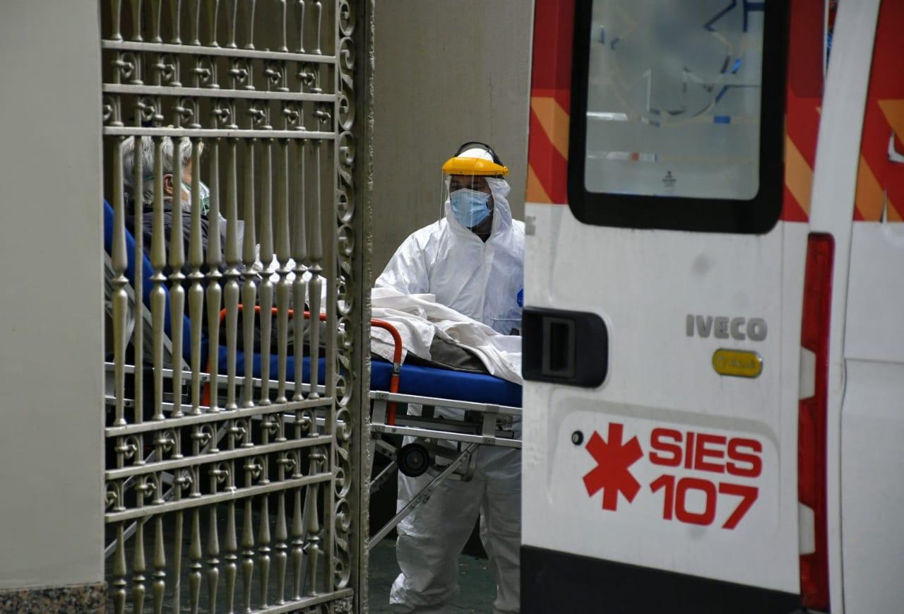Dos pacientes de Gálvez y Coronda murieron por covid sin conseguir cama