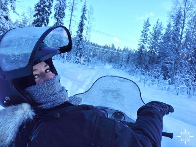 schneemobil-finnland-arktis-tour