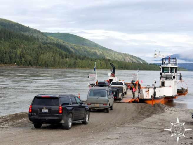 Rosas-Reisen-Kanada-Alaska-Rodtrip-Faehre-Dawson