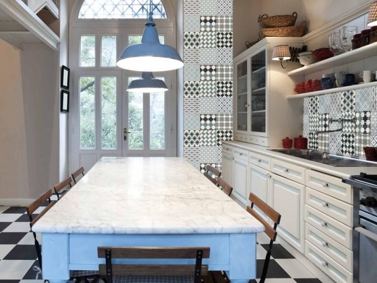 papier-peint-patchwork-carreaux-de-ciment-retro-ceramique-boutique-grand-cirque-768x576