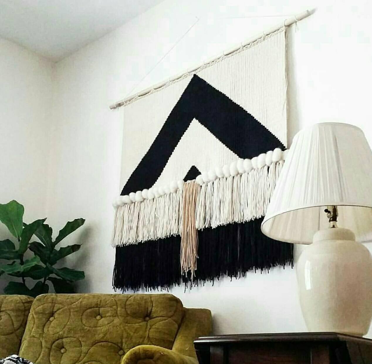 deco on craque pour un tissage mural xxl rose kiwi. Black Bedroom Furniture Sets. Home Design Ideas