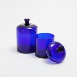 Pot bleu à couvercle