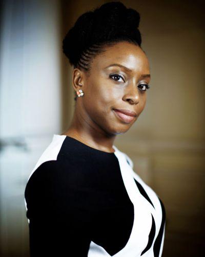 Chimamanda Ngozi Adichie, «Nous sommes tous des féministes», Roseaux, magazine féministe