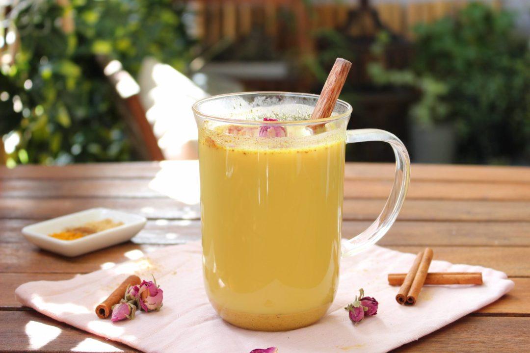 Le lait d'or : une recette ayurvédique à base de curcuma