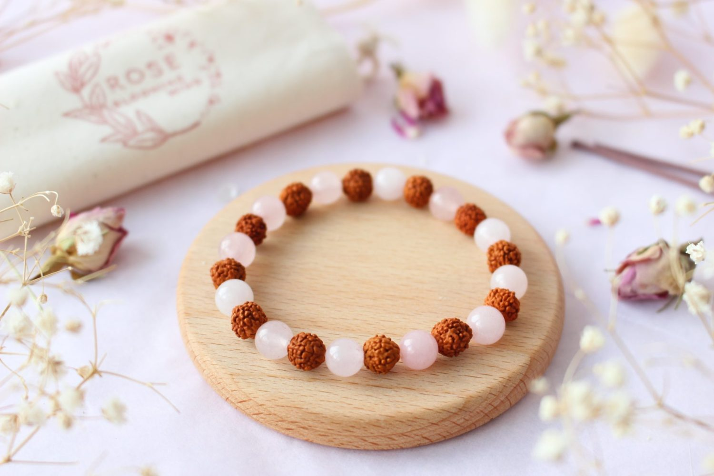 Bracelet lithothérapie en Quartz Rose & Rudraksha