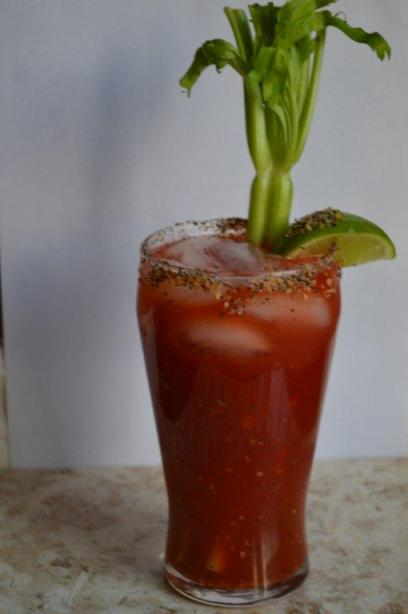 Caesar sundays,windsor,ontario,style,details,rose city, fashion,lifestyle, hungover,drunk,drinking,clamato,redhot,lime,salt,steak salt