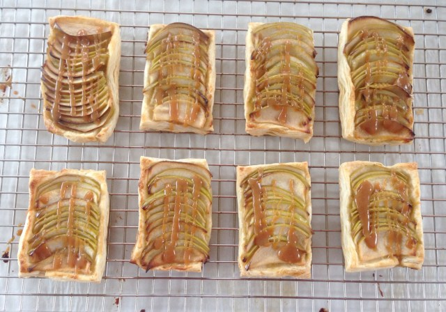 Apple-Galette-recipe-shelby-sweet-shop-rose-city-style-guide-fashion-lifestyle-blog-canadian-blogger-salted-caramel-ontario-windsor-shoppe