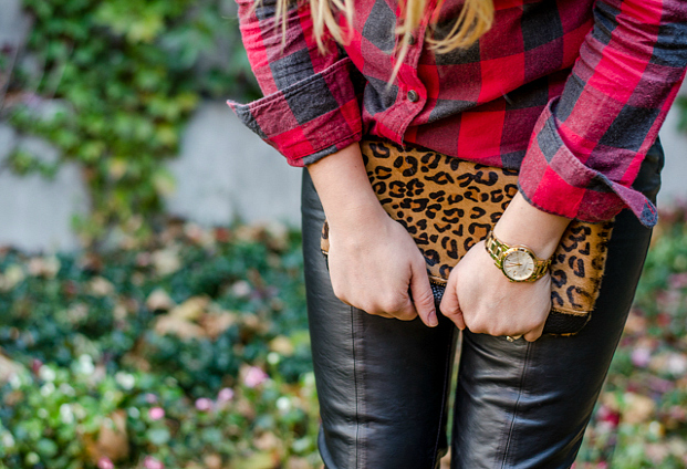 rose-city-style-guide-fall-outfit-plaid-shirt-leopard-clutch-fashion-blog-lifestyle-blog-canadian1