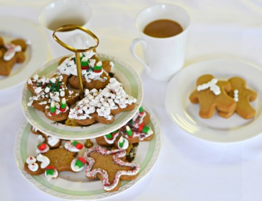 Ginger-bread-man-recipe-chewy-christmas-shelbys-sweet-shoppe-rose-city-style-guide-holiday-fashion-lifestyle-blog-canadian