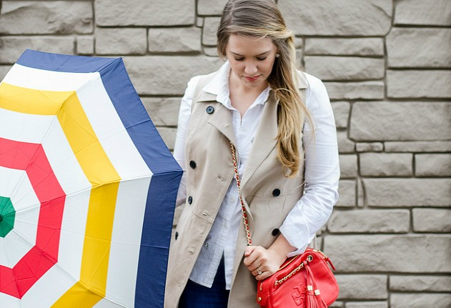 rosecitystylleguide-hbc-umbrella-toryburch-theacrossbody-anntaylortrench-cherrypic-earrings-springstyle-springoutfit-fashionblog-lifestyleblog-windsor-ontario-canada