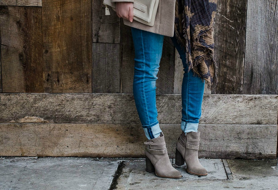 chinese-laundry-boots-hudson-jeans-jcrew-stadium-cloth-coat-aritzia-scarf-rosecitystyleguide-6