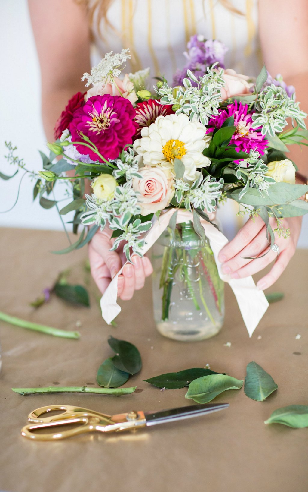 how-to-style-a-simple-flower-arrangement-rose-city-style-guide-bourbon-rose-floral-design-co-lifestyle-canadian-blog-17