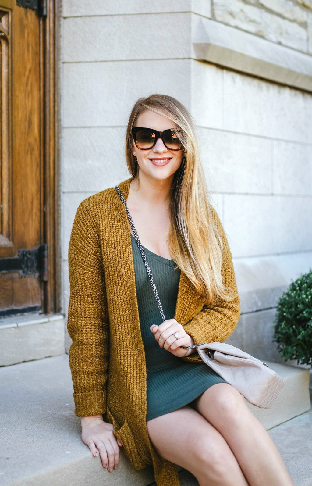 maternity-style-fall-style-outfit-canadian-bloggger-lifestyle-fashion-sweater-dress-booties-rose-city-style-guide-copy