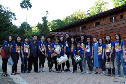 fr_francis_sr_nina_foreign_delegates