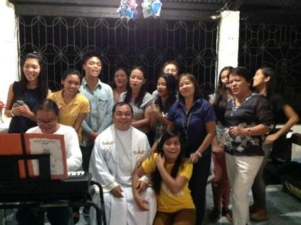 The choir with Fr Butch.