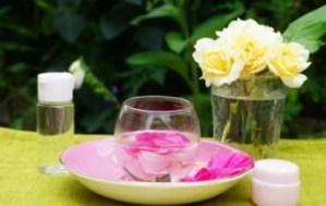 バラの香りを楽しむ手作りクリーム