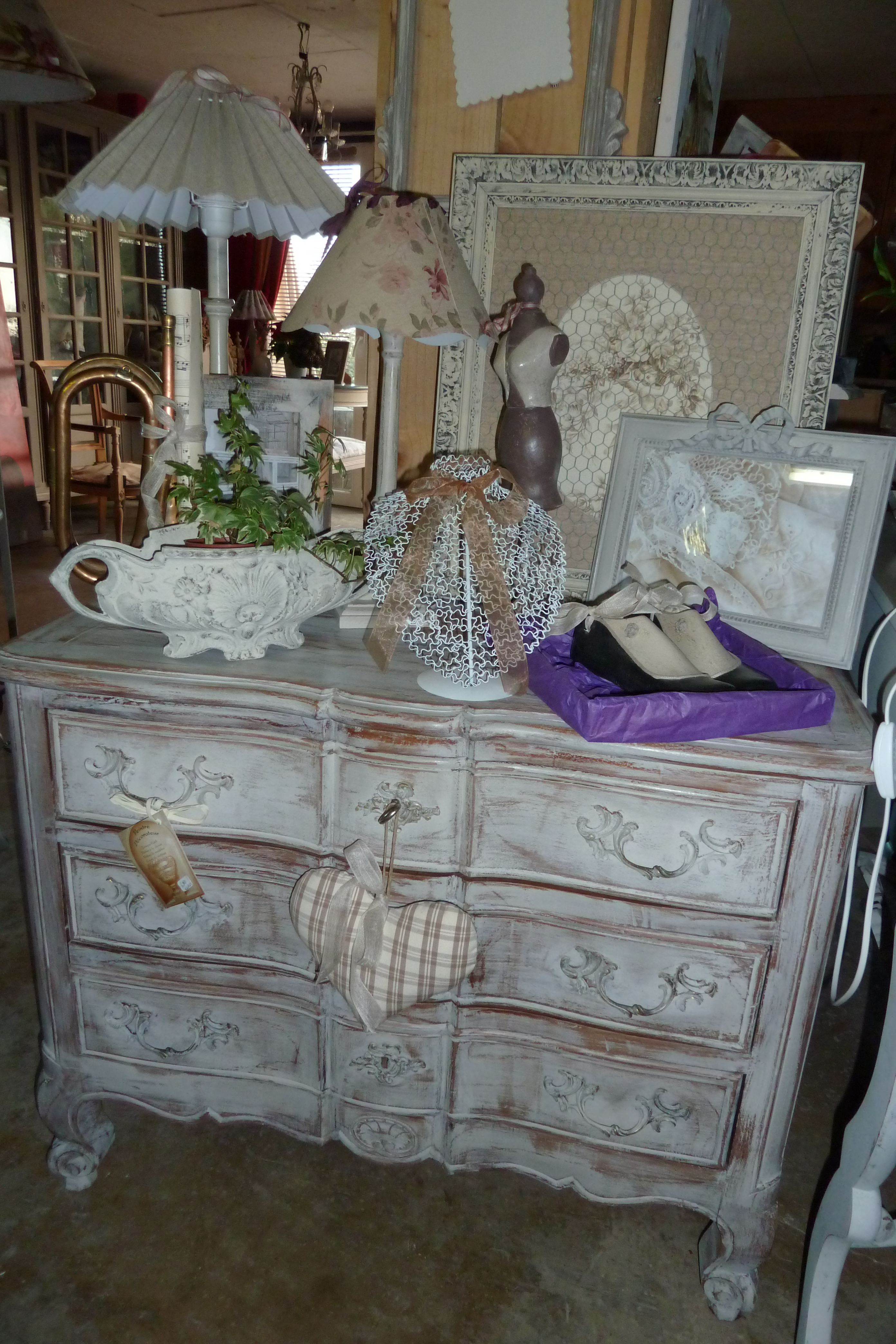 Commode Armoire Shabby Un Style Campagne Chic Rose Le Gac