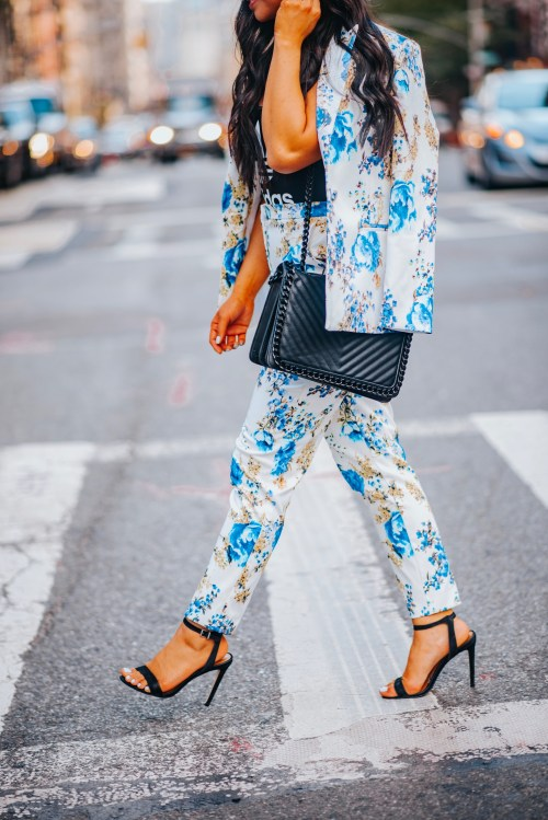 chic-floral-outfit