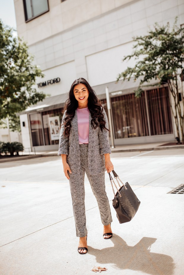 chic-womens-suits