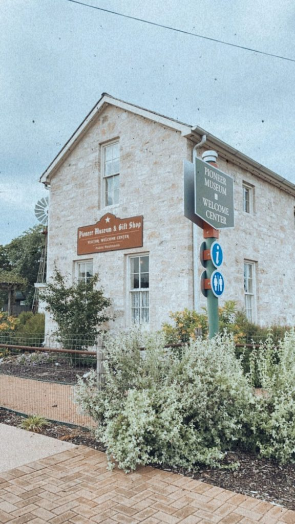 what to do in frederickburg texas