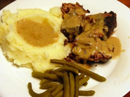 Crock Pot Pot Roast with Creamy Gravy (3)