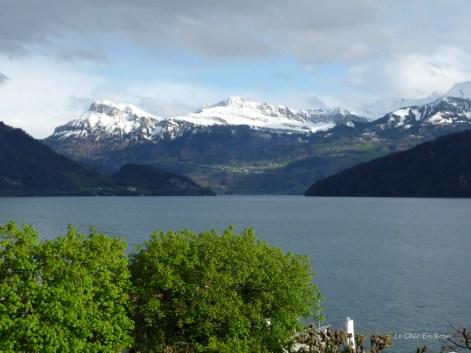 Snow Capped Mountains Vierwaldstaettersee Switzerland