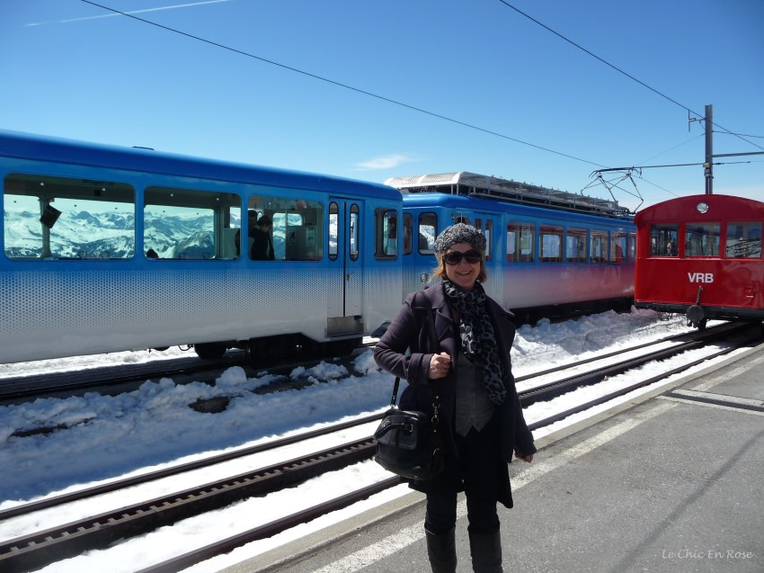 Brilliant blue skies and sunshine amidst the snow at Rigi Kulm station