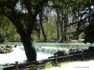 Waterfalls on the Eisbach River - the swimmers swept past on the far bank!