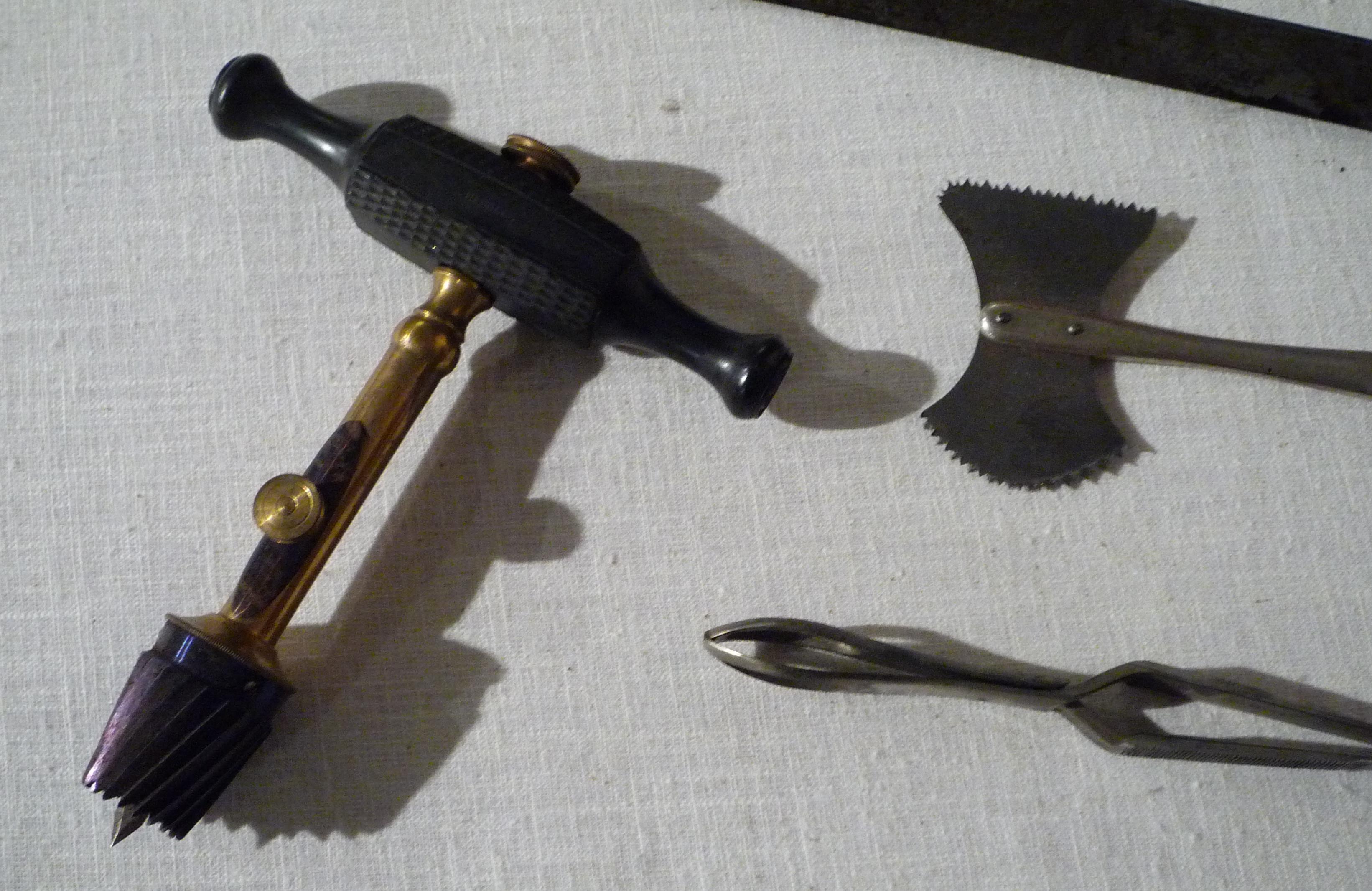 trephining tools (E.M. Hessler, 1890-1893)
