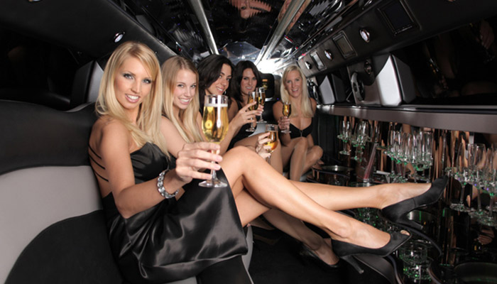 Rosemont Limo. Limo Service. Airport Limo. Party Bus. Airport Shuttle. Wedding Limo. Birthday Party. Bachelor Parties. Bachelorette Parties. Quinceanera.