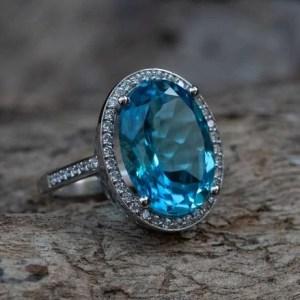 inel topaz diamante