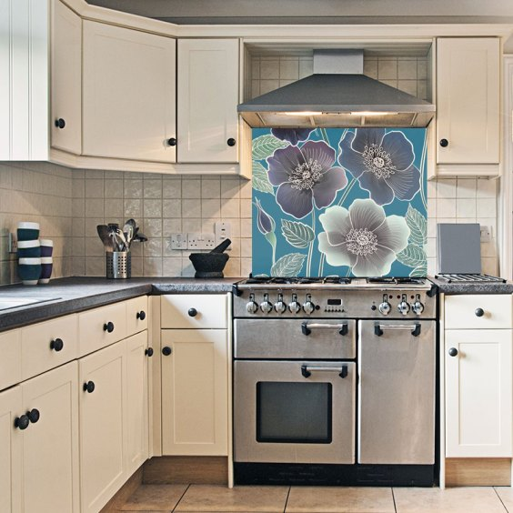 Ila large-scale floral pattern as a beautiful printed glass kitchen splashback