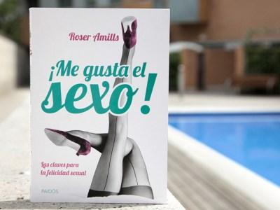 Vídeo | Roser Amills pasa un día en pijama en el escaparate de La Mallorquina, Barcelona